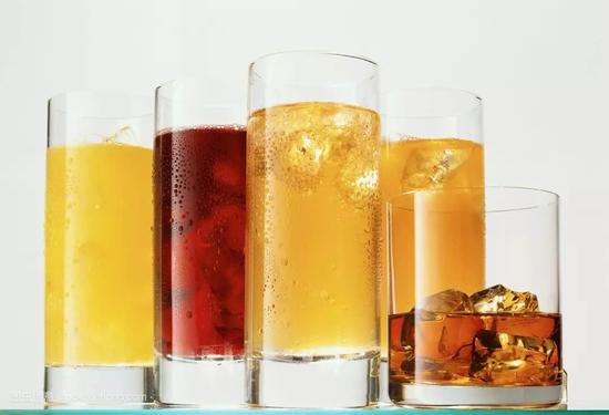 没喝完的饮料放了一天还能喝吗?实验结果太意外
