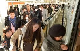 日本大坂强震  新干线地铁停驶
