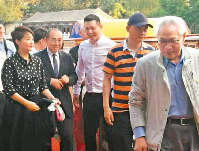 他与王岐山太太是发小  北京要爆大炸雷