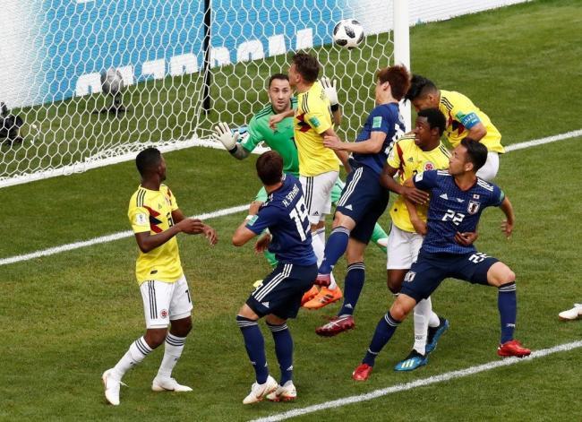 哥伦比亚开赛就10打11 日本大爆冷胜出