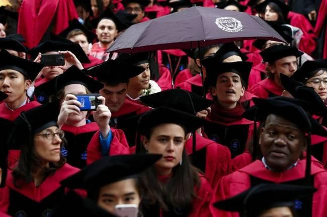 """多交140分""""亚裔税""""才被录?哈佛事大了"""