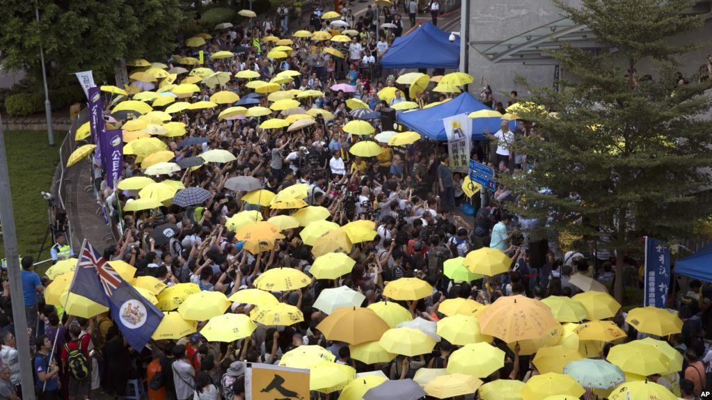 雨伞革命领袖被判重刑 香港倍受打击