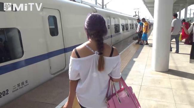 中国高铁   将刷手机进站