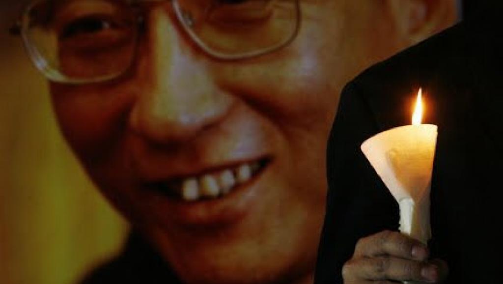 多个人权组织12日巴黎举办刘晓波追思会