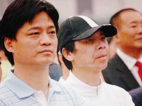 冯小刚终回击 公众为何一边倒支持崔永元