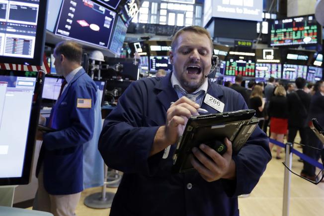 川普:股市好银行钱多 打贸易战好时候