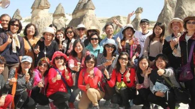 中国游客在土耳其遭遇车祸 30人受伤