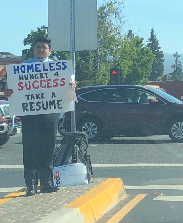 流浪汉硅谷公路举履历求职获200多offer