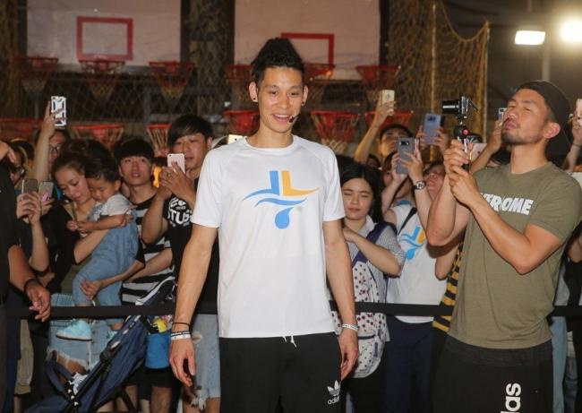 加入中国男篮? 林书豪须放弃美国籍