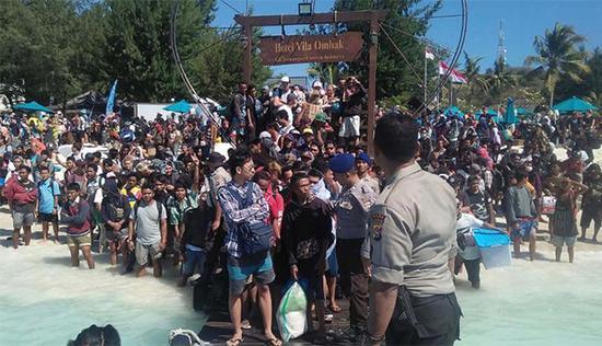 印尼地震大逃亡 中国游客目击地震惊魂