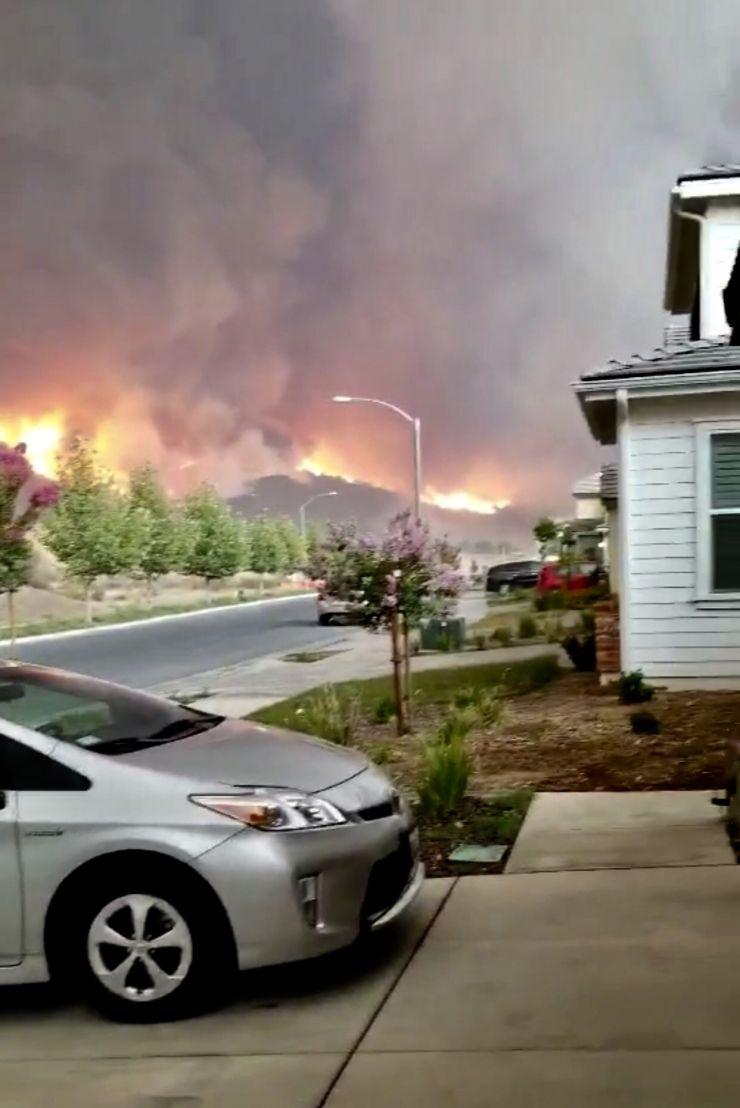 """加州""""圣火""""5天烧1.8万亩林如世界末日"""