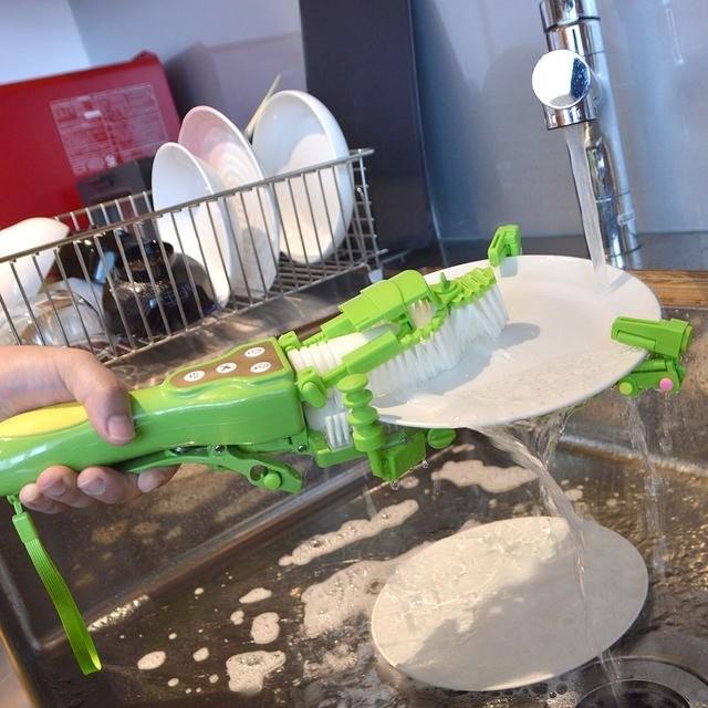 日本发明手持洗碗神器  不得不服