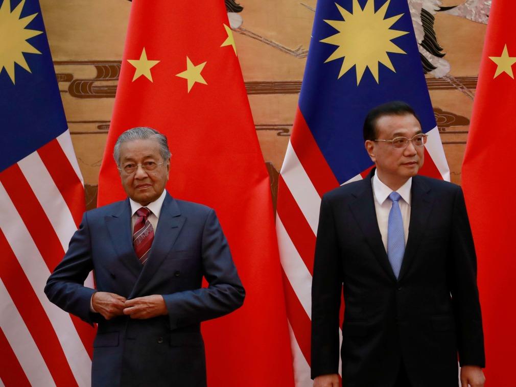 """马哈蒂尔称要拆""""中国长城"""" 中国回击"""