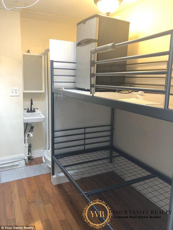 下铺睡人上铺放冰箱 纽约小黑屋月租……