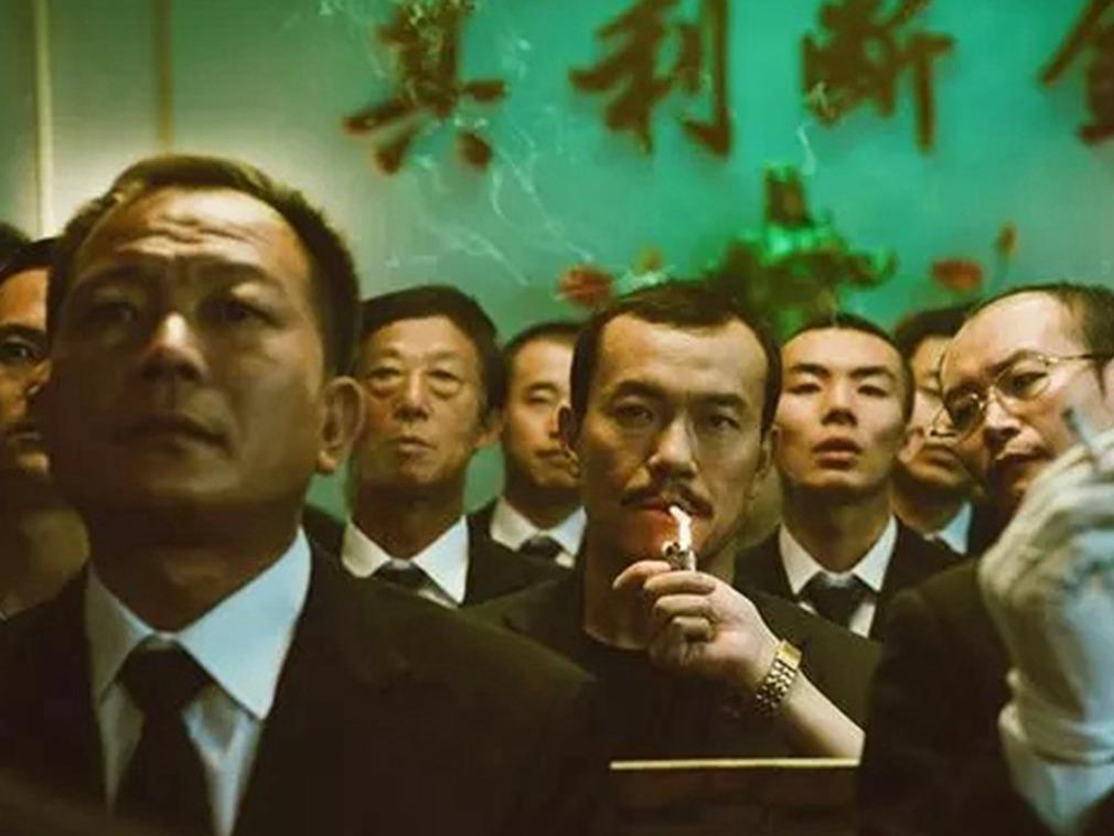 冯小刚参演电影公映戏份被删 一言难尽