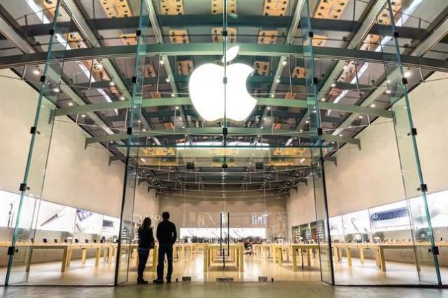 苹果神话破灭? 新iPhone排队人潮变短