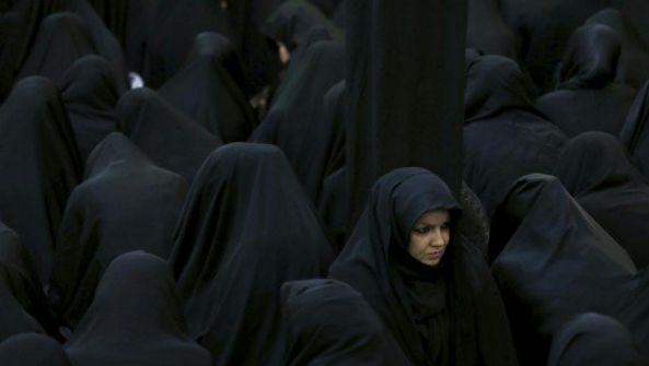 """瑞士第二州 穆斯林将面临""""罩袍禁令"""""""