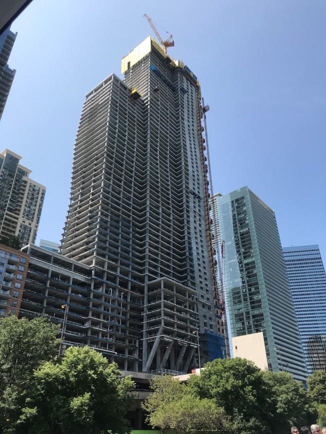 芝加哥这座万达大楼 还未完工就转手了?