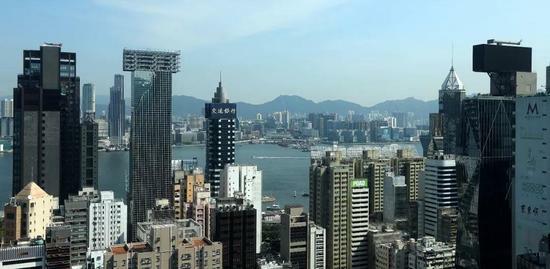 地产股大跌 14年暴涨的香港楼市要凉了