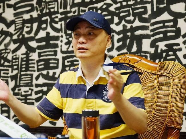 """崔永元遭举报  教授职称是""""买""""来的"""