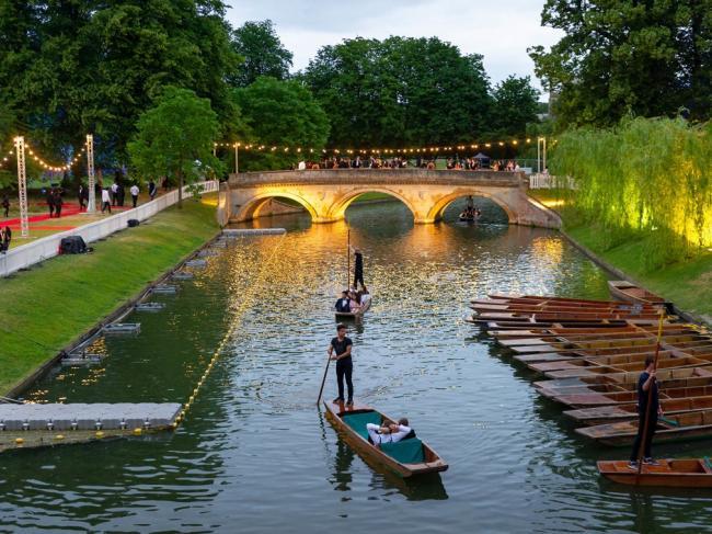 剑桥拟出招限制中国游客