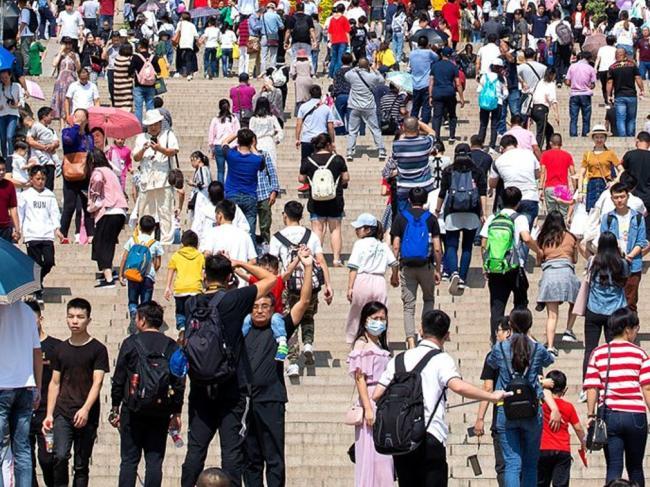 中国游客大降 马哈蒂尔急了 下调签证费