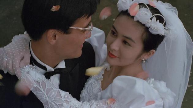 导演陈德森晒与关之琳合照称多年未见