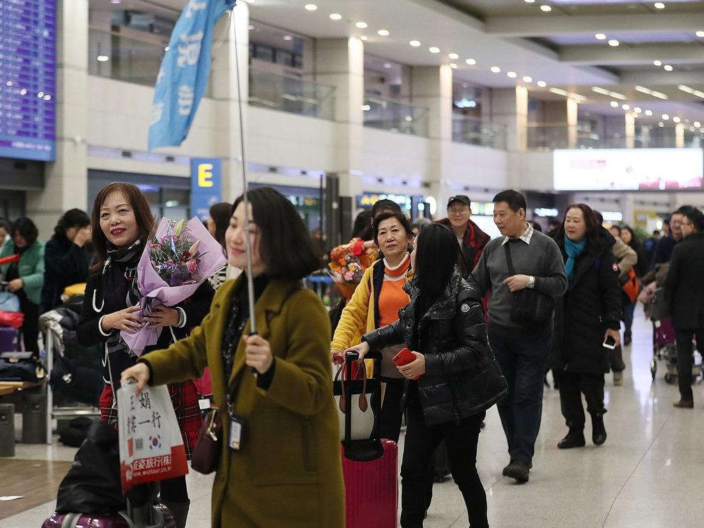 竟为这事,韩国机场爆发中国人群殴事件