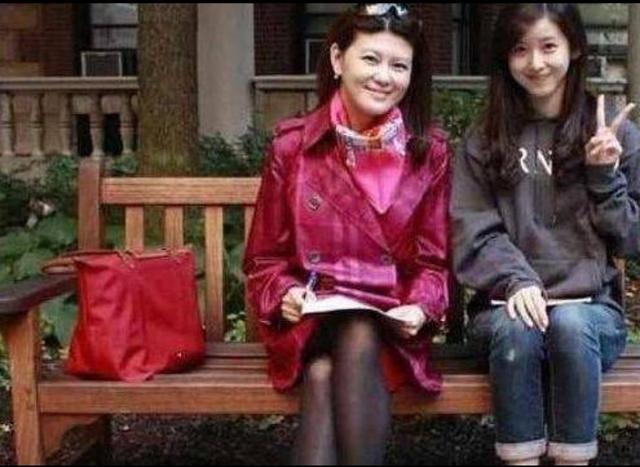 比刘强东大5岁的岳母有多美