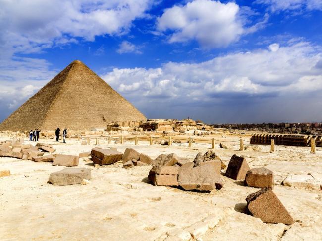 科学家揭开金字塔建设秘密 证据确凿