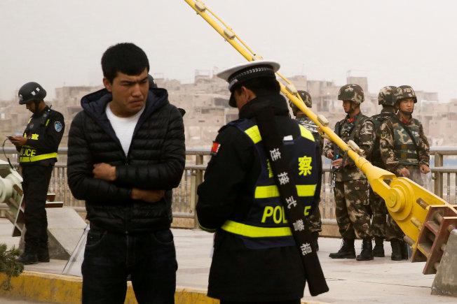 罕见!回应抨击 北京拟邀外国政要访西藏