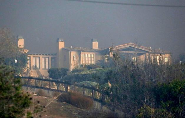 加州山火 好莱坞众星千万豪宅一夜焚毁