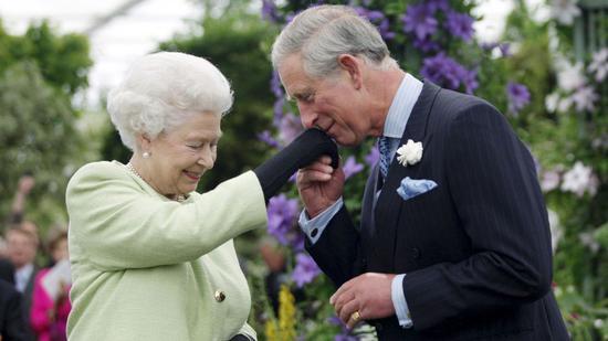 92岁女王给70岁查尔斯祝寿 说了这番话