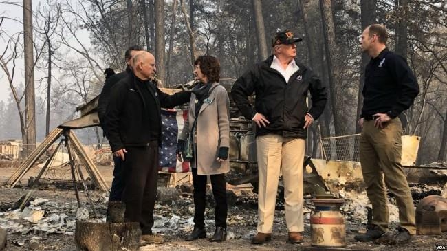 加州大火致77人丧生近千人下落不明