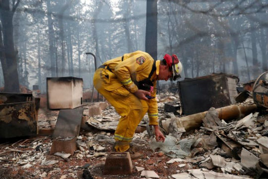 加州山火 预测还没烧到一半