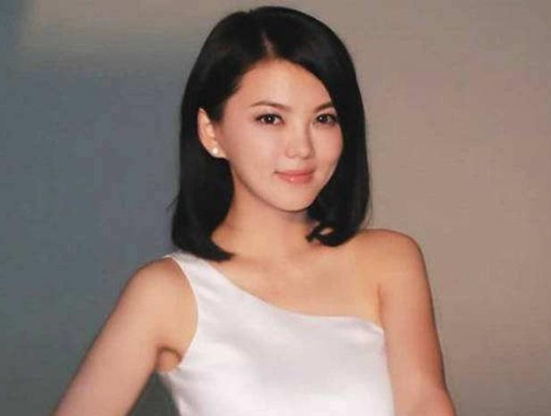 李湘女儿近照曝光 身材已经失控