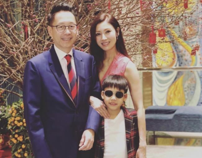 李嘉欣48岁美貌惊人 原来豪门这样教小孩