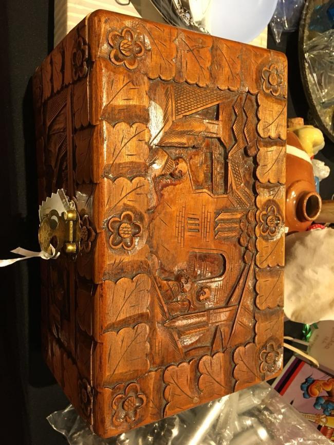 图十一:年代久远的首饰盒――时光岂止倒流五十年.jpg