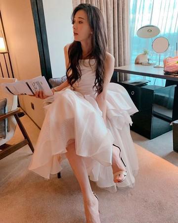 林志玲晒白色婚纱照:轮到我了吗?