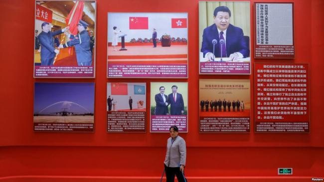 """改革开放40年晚会 满眼""""习近平新时代"""""""