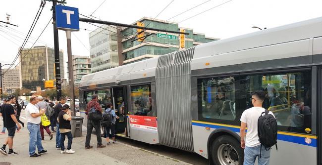 99-b-line-articulated-bus-translink.jpg