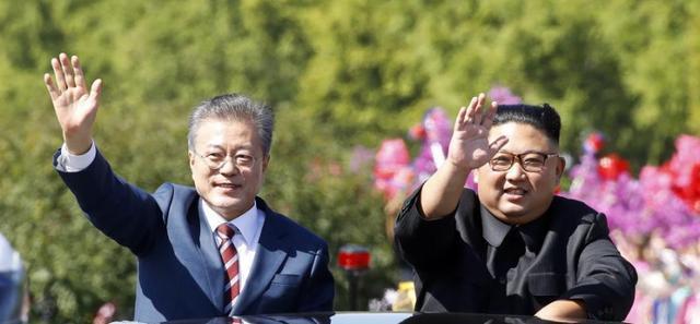 危机爆发,韩国总统文在寅的冬天有点冷