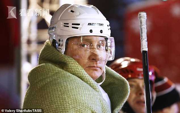 66岁普京参加比赛   现场迷妹一片尖叫