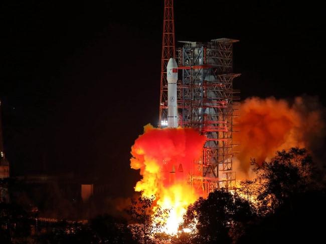嫦娥4号运载火箭发射.jpg