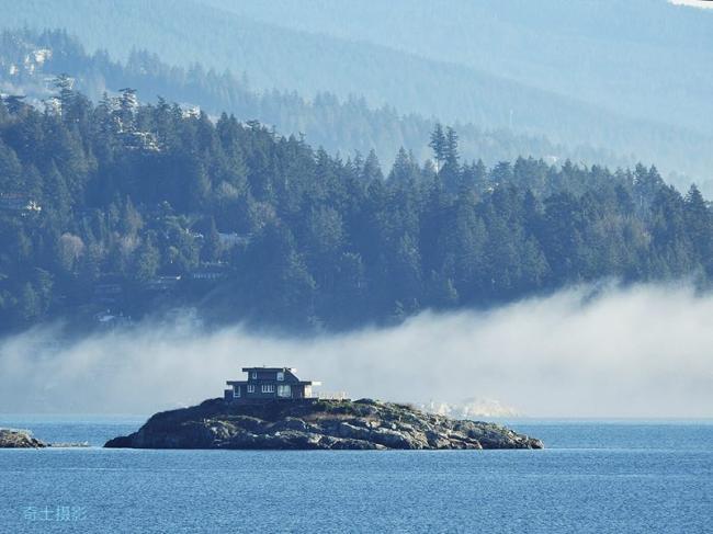 摄影组图:游走在温哥华雾霭迷幻中