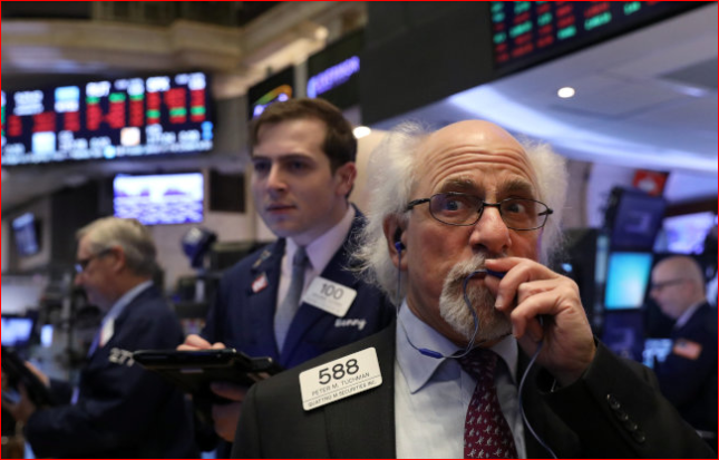 贸易战前景黯淡 美股挫跌300点