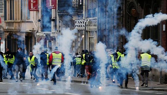 受够了 法国人准备放大招上街对抗黄背心