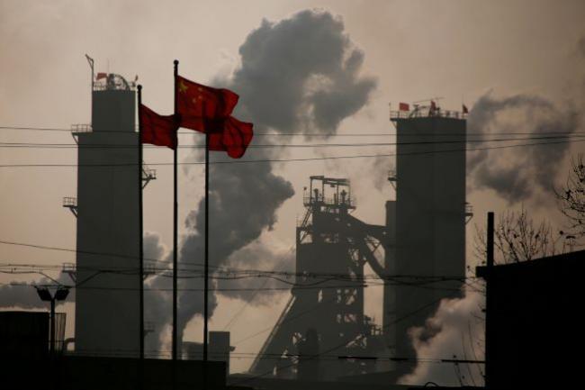 中国企业乌云罩顶.jpg