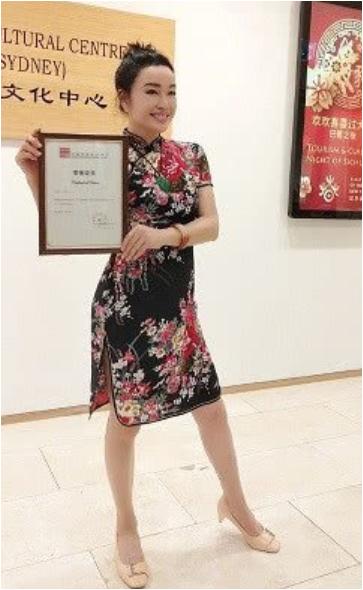64岁刘晓庆穿旗袍扮靓 年芳18?