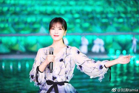 刘涛春晚表演太累 没有卸妆 睡在后台